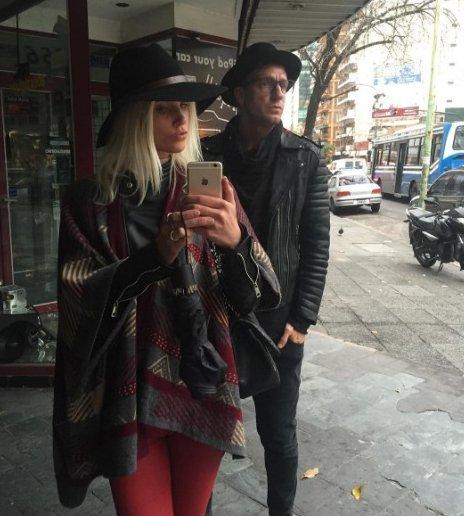 Maxi Lopez y su novia sueca pasean por Baires sin sus chicos