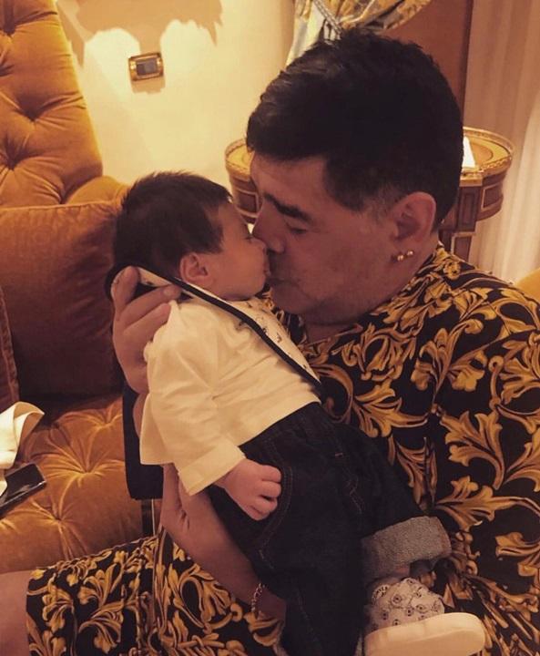 Maradona y Dieguito Matías juntos en Nápoles