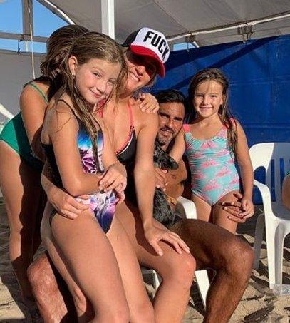 Nicole Neumann con su novio y las chicas felices con Mica y su papá