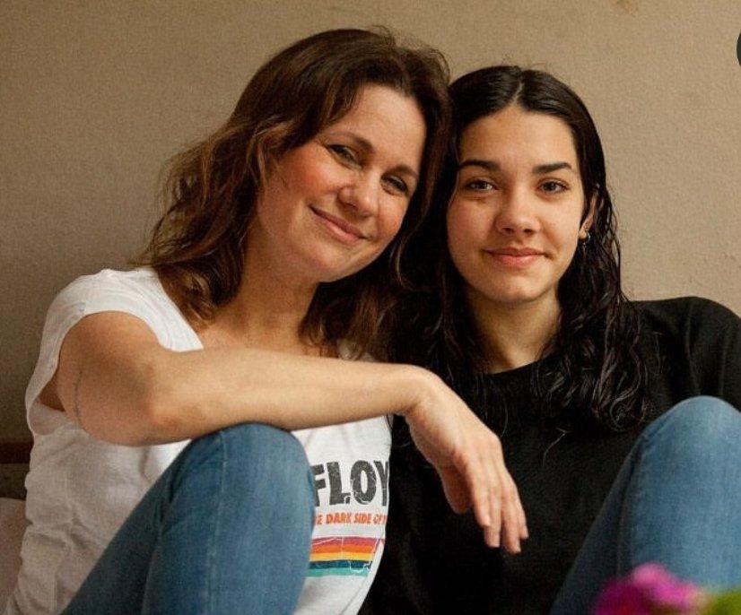 Nancy Dupláa y Morena como espejos