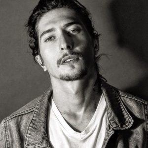 El hijo de Mónica Ayos, villano de telenovela